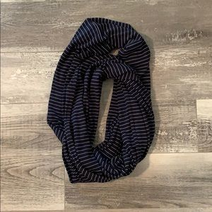 Infinity navy and white stripe scarf